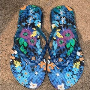 Vera Bradley flip flops sz small 5-6